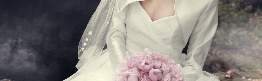 Robe et accessoires de la mariée
